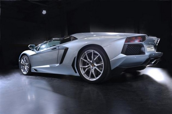 Aventador Roadster - vrhunac sportskog dizajna