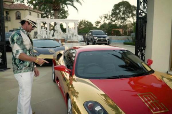 Najkontroverzniji tajkun i njegova kolekcija automobila
