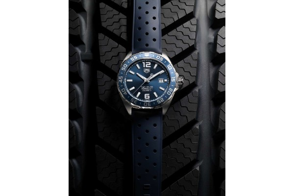 Novi TAG Heuer Formula 1 Bucherer Blue Editions sat