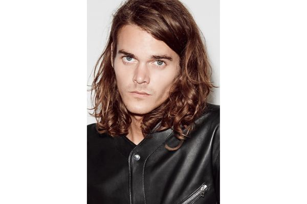 Najbolje frizure za muškarce koji vole dugu kosu