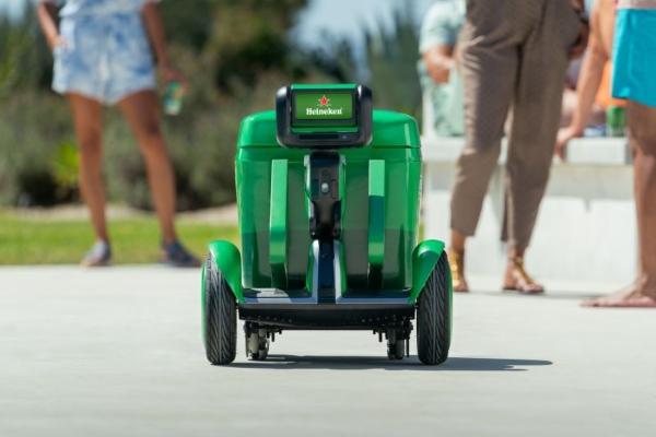Za hladno pivo uvek pri ruci - Inovativni Heineken AI roboti frižideri
