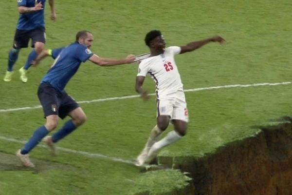 Englezi plaču i zahtevaju da se finale ponovi