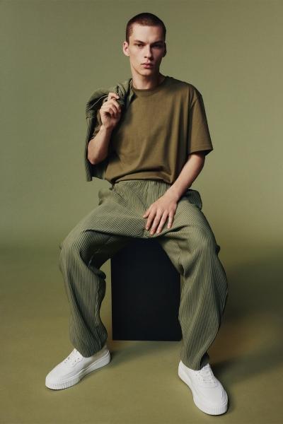 Zara predstavlja novu i ležerniju mušku liniju za jesen 2021. godine