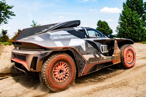 Audi predstavlja svoju novu besnu mašinu kreiranu posebno za Dakar reli