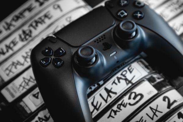 Sony će uskoro izbaciti dve linije PS5 kontrolera inovativnog i drugačijeg dizajna