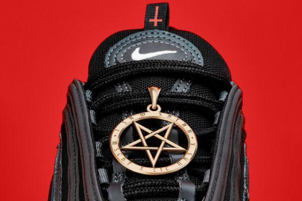 Bizarni satanistički Nike model donosi veliku tužbu svom tvorcu
