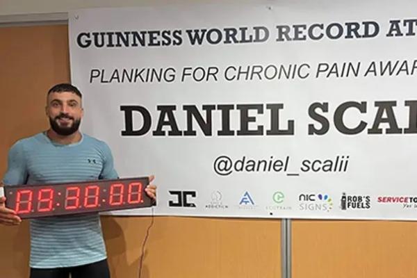 Australijanac postavio novi svetski rekord u prednjem izdržaju