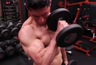 Vrhunski trener otkriva na koji način mršavi muškarci mogu efikasno nabildovati ruke